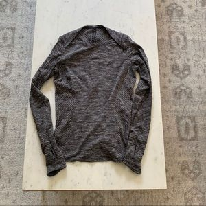 Lululemon long sleeve grey top sz 6
